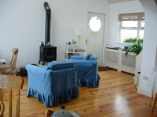 The White Cottages: Cosy living room