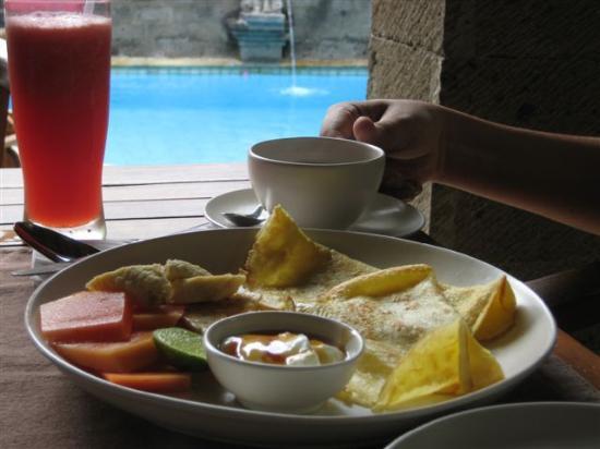 Ellie's: Pancake breakfast - Best ever!