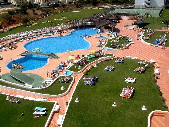 Hotel Paraiso de Albufeira: View of pool from balcony