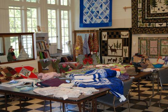 Latimer Quilt & Textile Center: Inside the Latimer Quilt Center