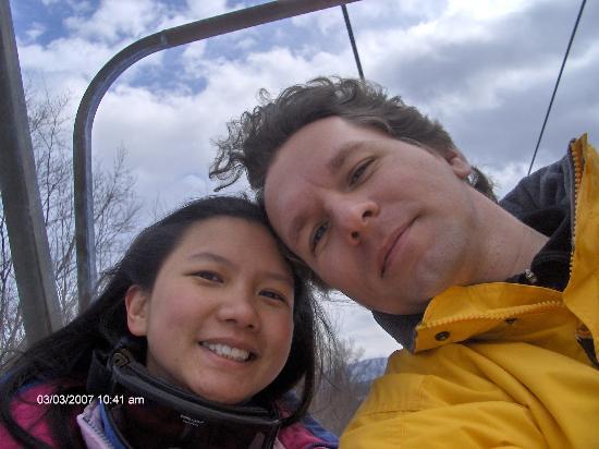 Стоу, Вермонт: me & my love on the lift (before he lost his ski)