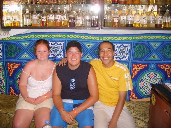 Laguna Vista Beach Resort: Dr Mori and the kids