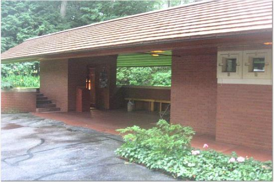 Zimmerman House: Carport
