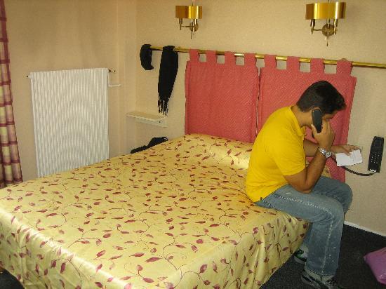 Hotel le Cardinal: Our room
