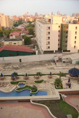 Dann Carlton Barranquilla: poolside from my room