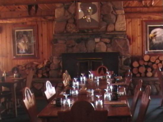 Pahaska Teepee Resort: restaurant