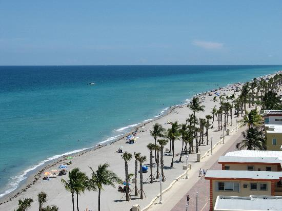 Marriott Hollywood Beach: another balcony view