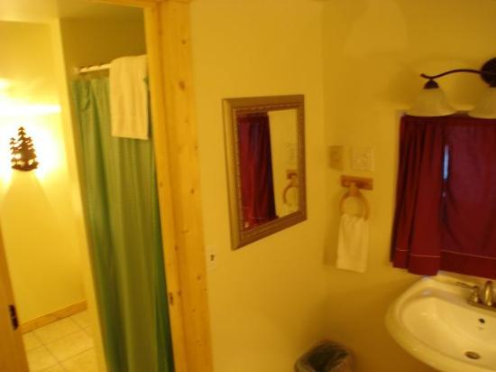 Hadley's Motel: tight spaces