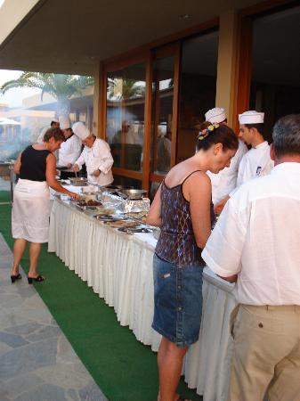 Kernos Beach Hotel : Luculliana Grigliata del Venerdì Sera