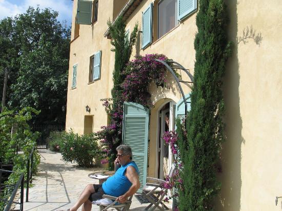 La Colline de Vence : In front of the house