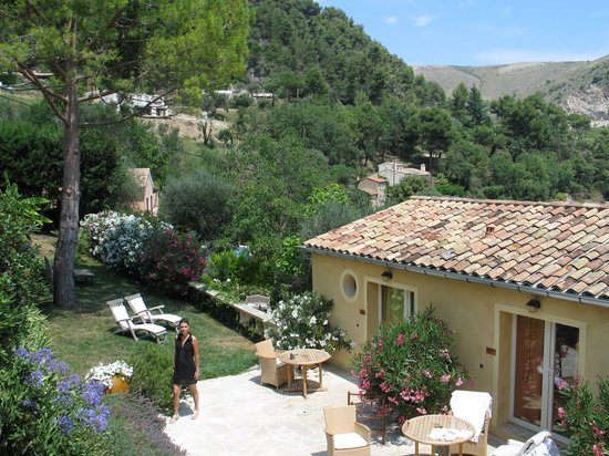La Colline de Vence : Guest rooms in their charming surroundings