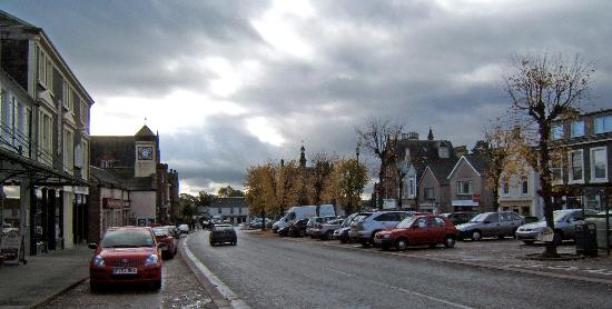 Balmoral Hotel: Moffat High Street on a crisp November morning