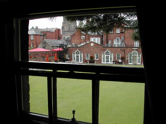 Wynnstay Hotel & Spa: Looking out towards main hotel building (room 401)