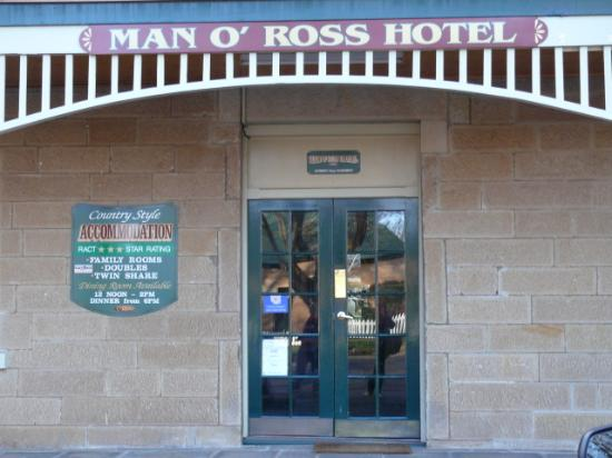 Man O' Ross Hotel: Man O'Ross entry
