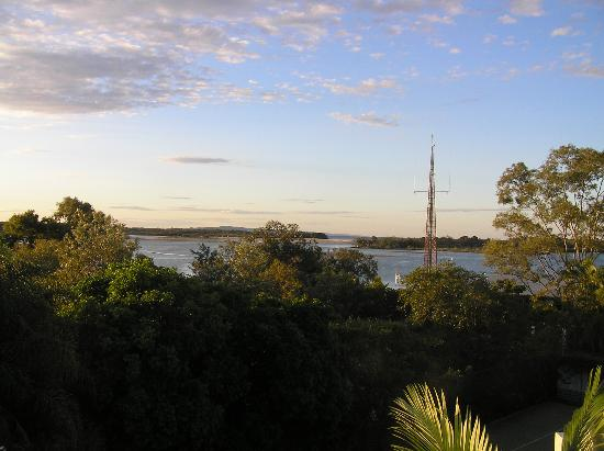 Noosa Pacific Riverfront Resort: View of the river from rooftop