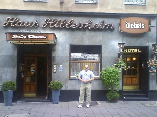 Hotel Haus Hillesheim: me in front of the Hotel