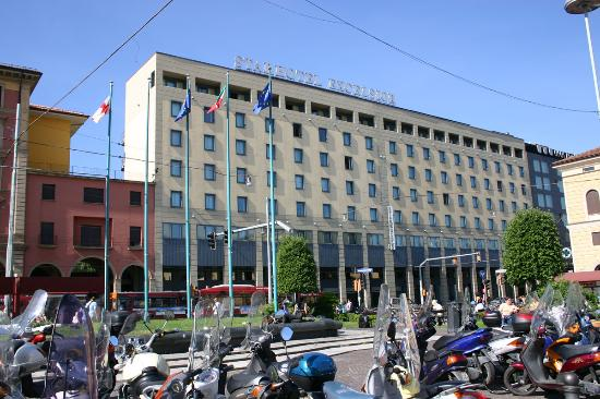Exterior of hotel picture of starhotels excelsior for Hotel design bologna