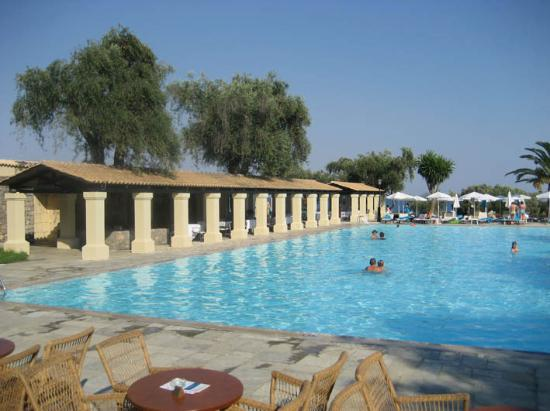 Grecotel Corfu Imperial: View on the pool area