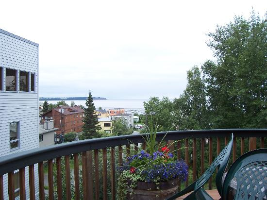 Sleeping Lady Bed and Breakfast: view from deck of water