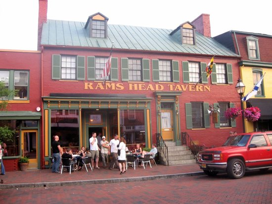 Rams Head Tavern - Annapolis: Front view