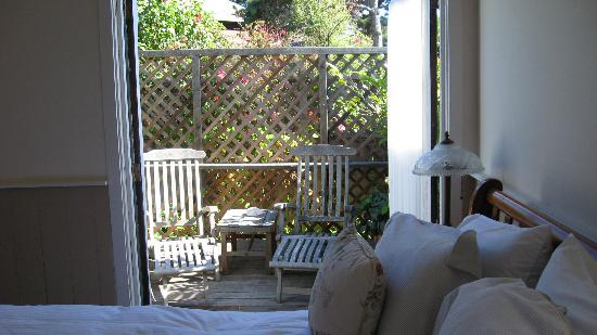 The Griffin House Inn: Deck from bedroom