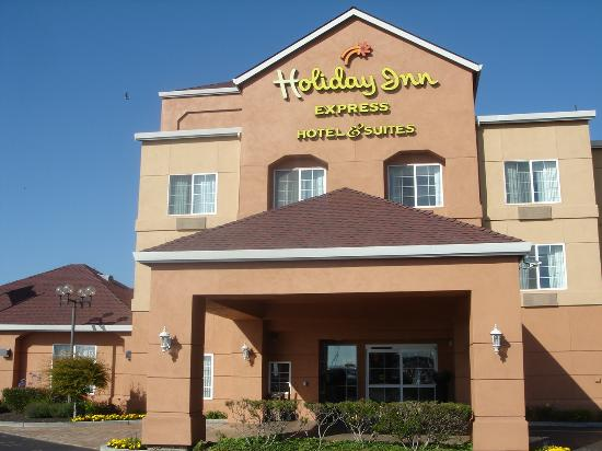 Holiday Inn Express Hotel & Suites: Front of Oakland HI Express
