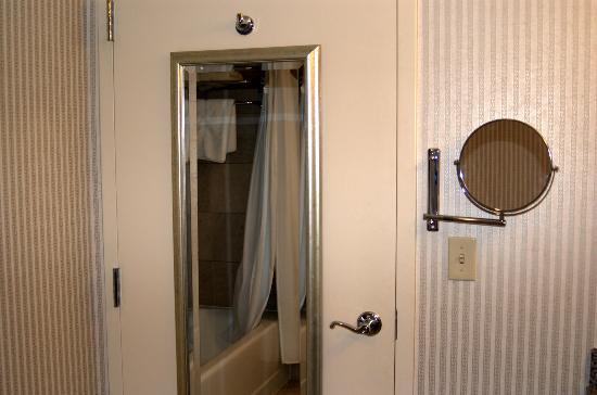 InterContinental Suites Hotel Cleveland Door Mirror & Door Mirror - Picture of InterContinental Suites Hotel Cleveland ...