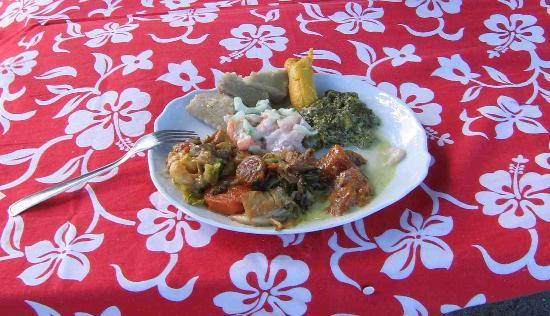 Motu Pearl Farm: Repas traditionnel