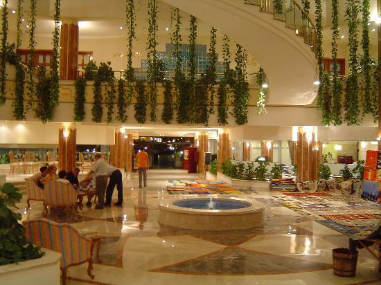 Sonesta Pharaoh Beach Resort Hurghada: Hall de l'hotel