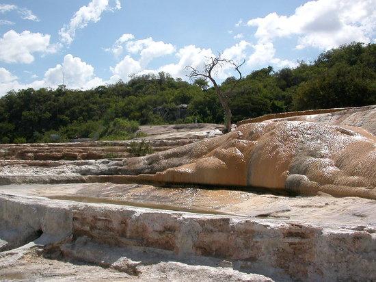 Hierve el Agua: Flowing mineral water with salt deposits