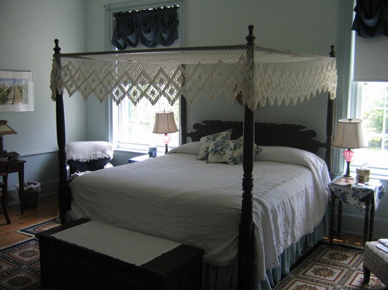 Smithfield Farm Bed and Breakfast: The Wellford Room