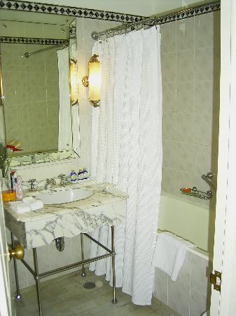 Belmond Reid's Palace : Bathroom