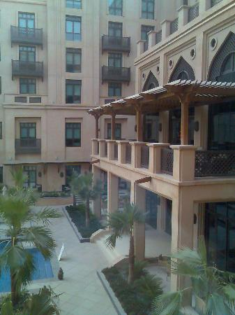 Vida Downtown Dubai: other side of pool courtyard
