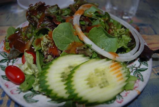 42nd Street Cafe : Fresh green salad at the 42 Street Cafe, Seaviw, WA
