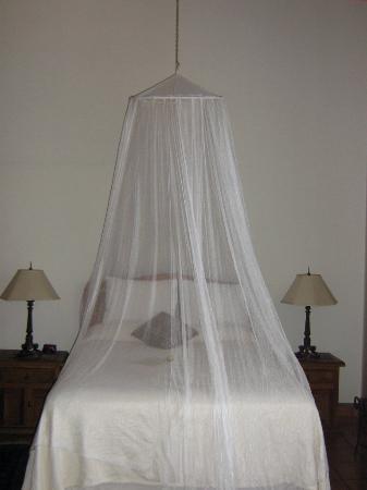 Todos Santos Inn: Il letto della matrimoniale