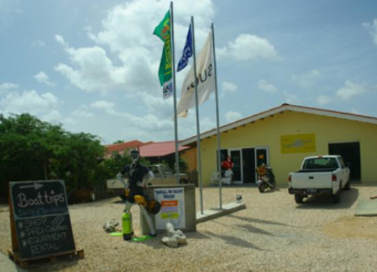 Tropical Inn Bonaire: Das Divecenter 'Tropical Divers'