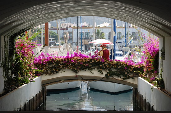 Puerto Rico, İspanya: Beautiful little canals that give Puerto De Mogan its nickname 'Little Venice'