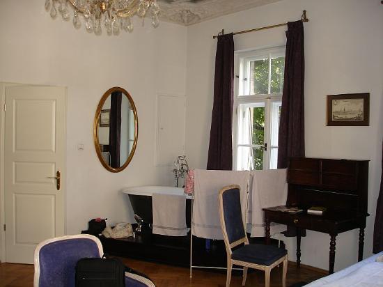 Hotel-Pension Mariandl: Mariandl - bath in room