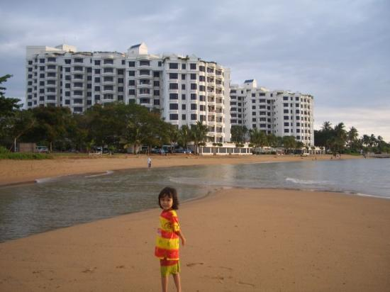 Everly Resort: Pantai Tanjong Kling