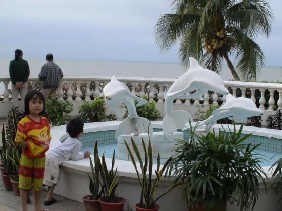 Everly Resort : Riviera Bay