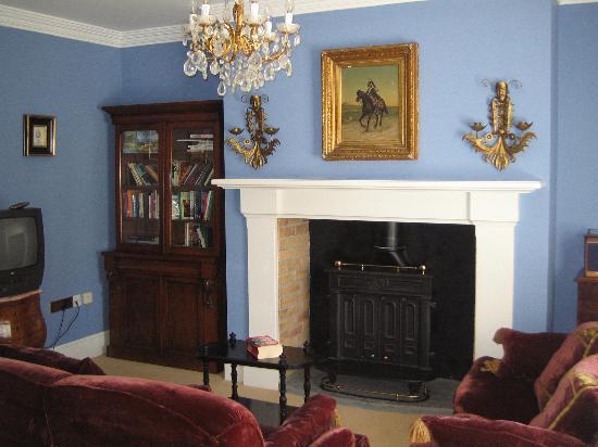 Lisdonagh Manor House: Lughnasa villa: sitting room