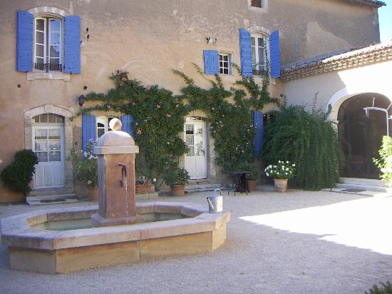 La Bastide de Voulonne : cortile interno