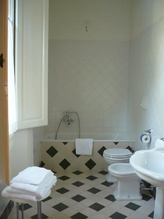 Residence Michelangiolo: Bathroom