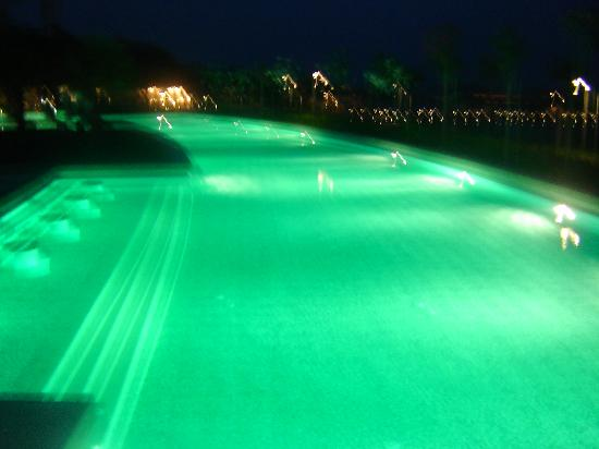 Gloria Serenity Resort: the pool at night