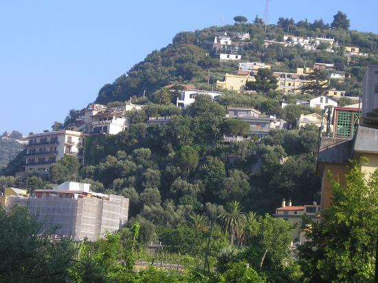 هوتل لوندرا: view from balcony