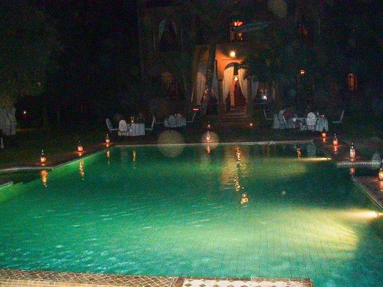 Dar Ayniwen Villa Hotel : Dîner aux chandelles