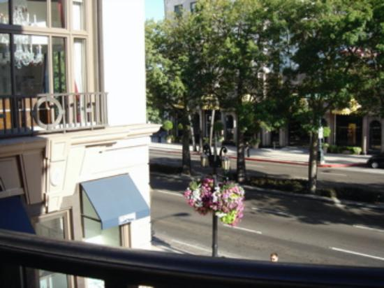 Beverly Hills, CA: View of Rodeo Drive from atop 208 Rodeo Restaurant