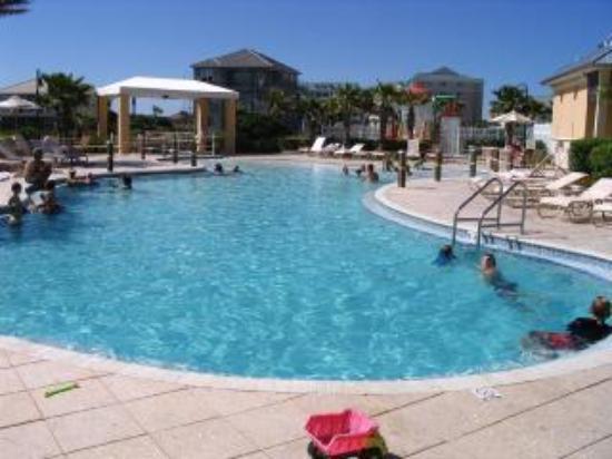 Cinnamon Beach at Ocean Hammock Beach Resort: Family pool area