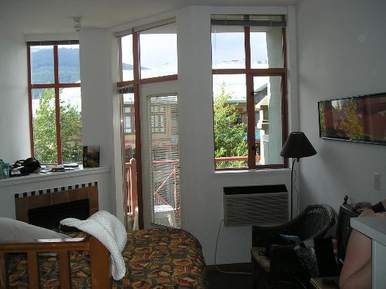 Alpenglow Lodge: Room I