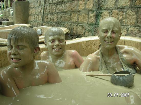 Indochine Hotel Nha Trang: mud bath monsters